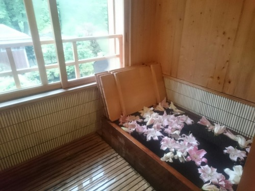 ユリ風呂1.JPG