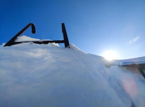 雪から差す日差し.jpg